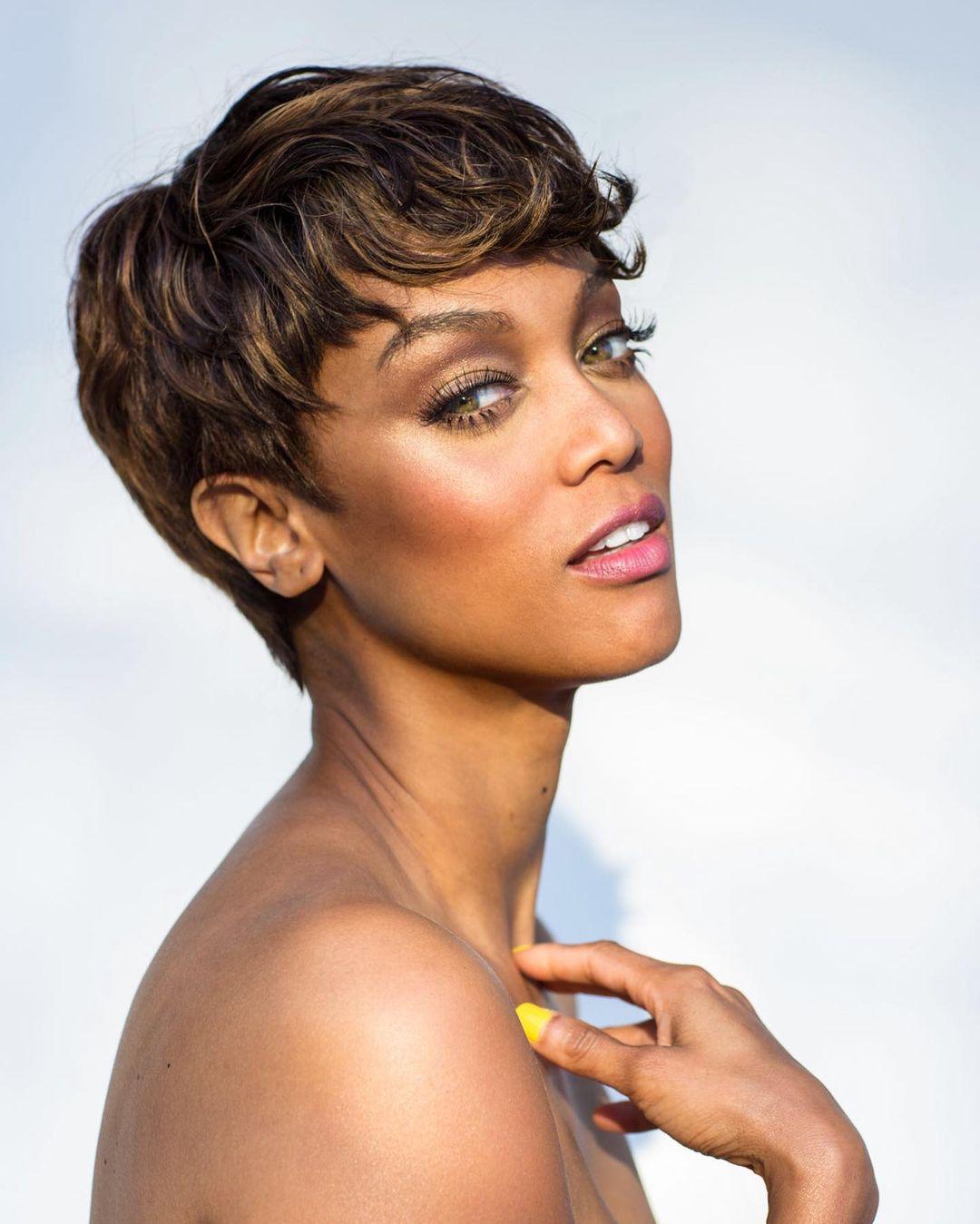 Tyra Banks Two-Minute Makeup Tutorial ...