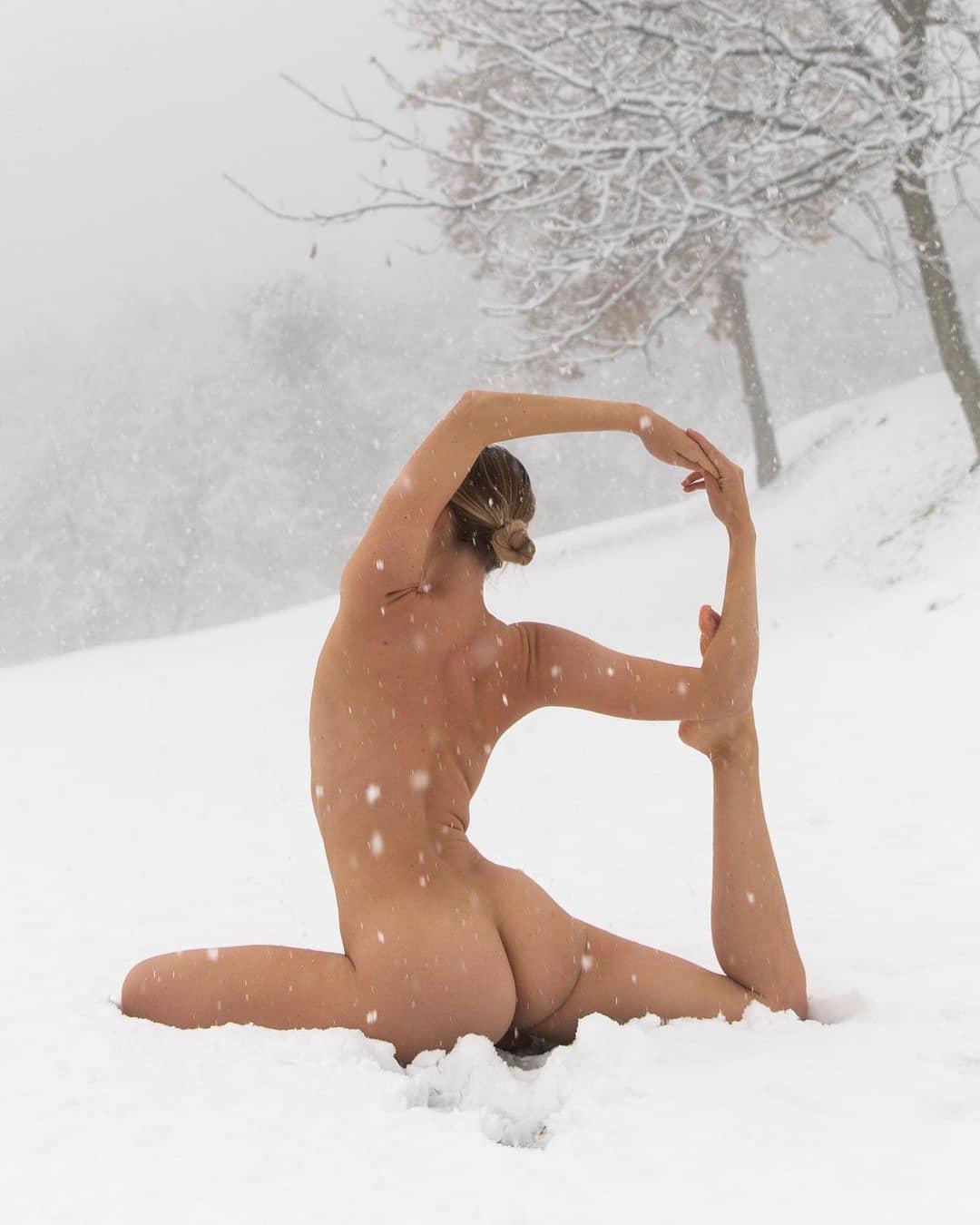 9 Yoga Inspirational Instagram Accounts to Follow ...