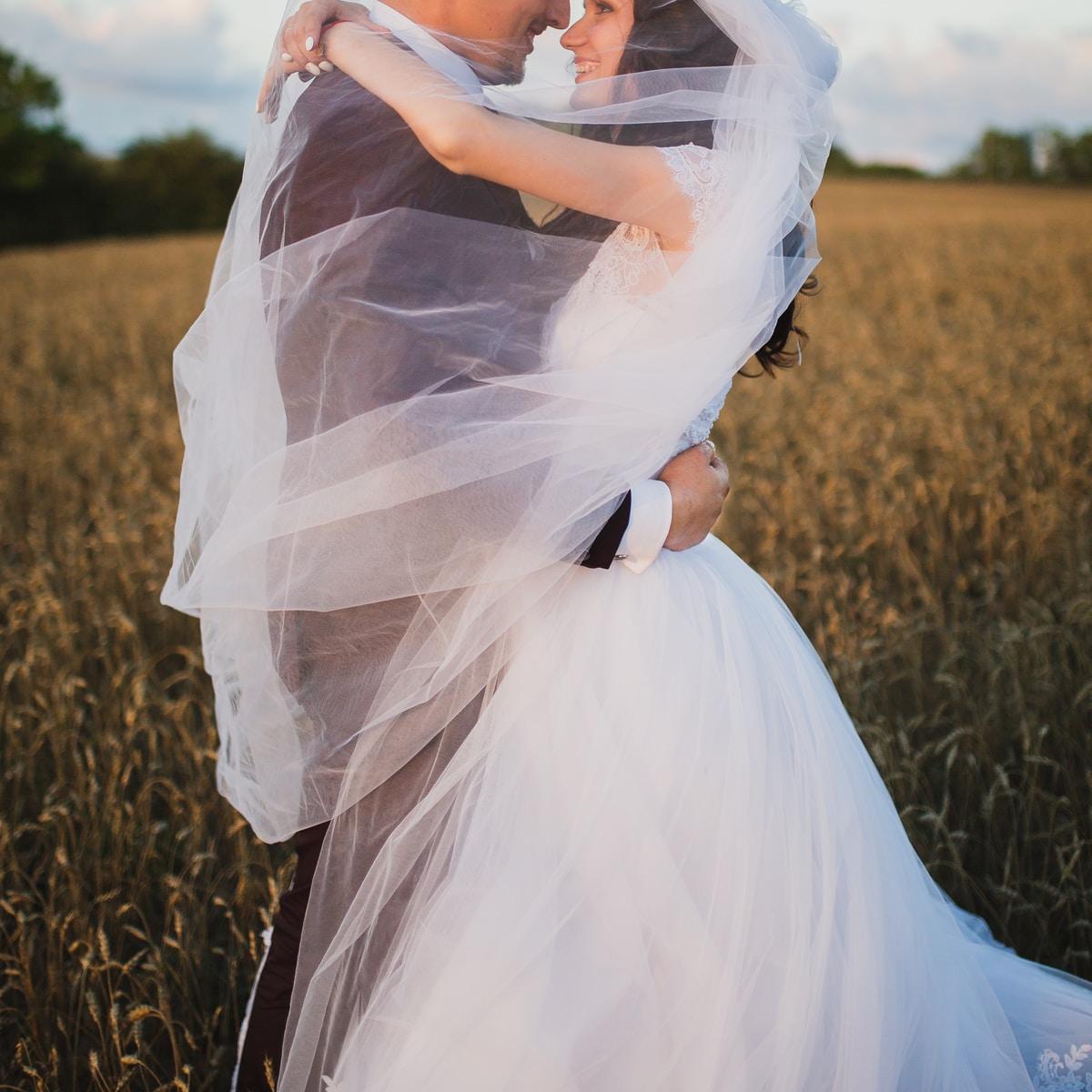 7 Wedding Dress Alternatives ...