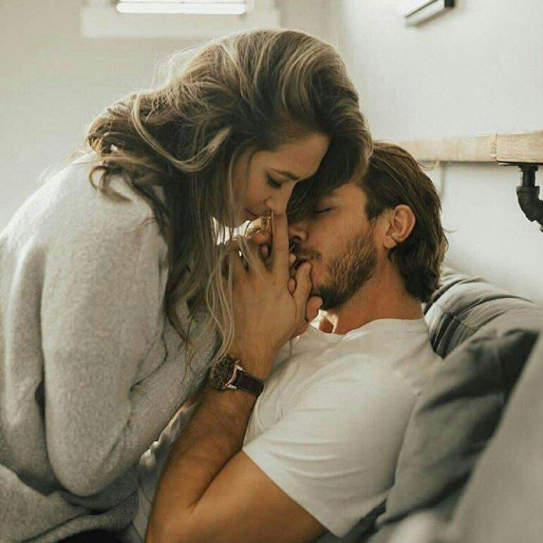 how to romantically kiss your boyfriend