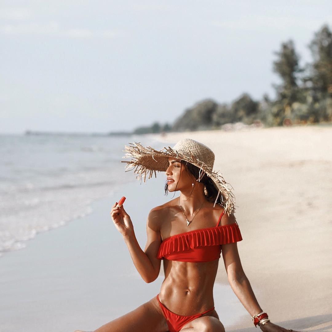 7 Beach Bag Must-Haves ...