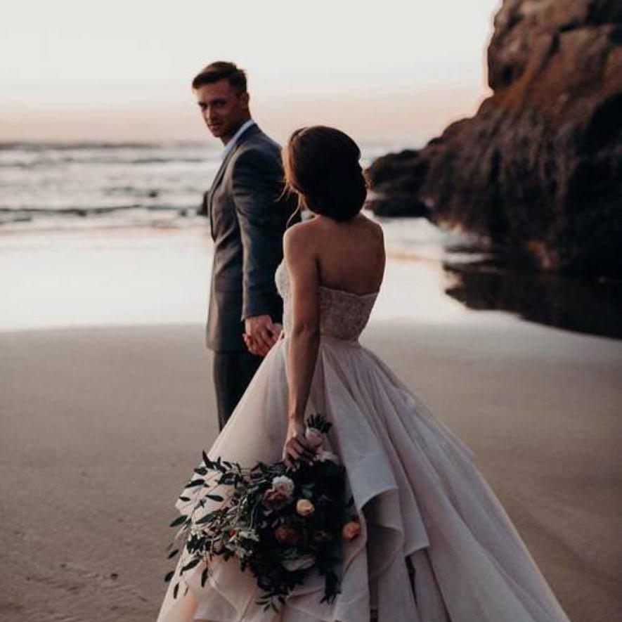 7 Playful Ruffle Wedding Dresses ...