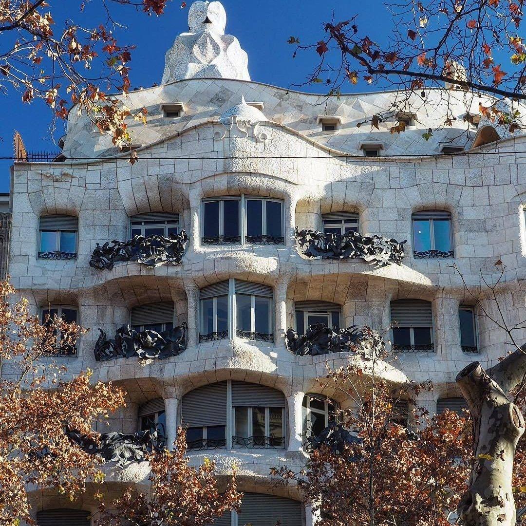 10 Must See Gaudi Buildings in Barcelona ...