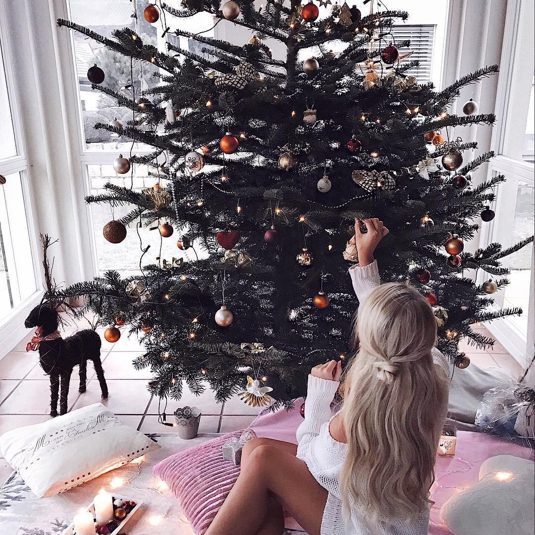 8 Charming Ideas for a Christmas Wedding ...