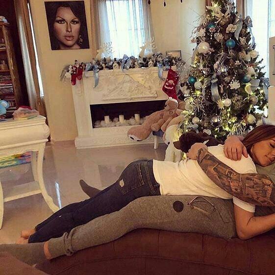 8 Pretty Holiday Throw Pillows ...