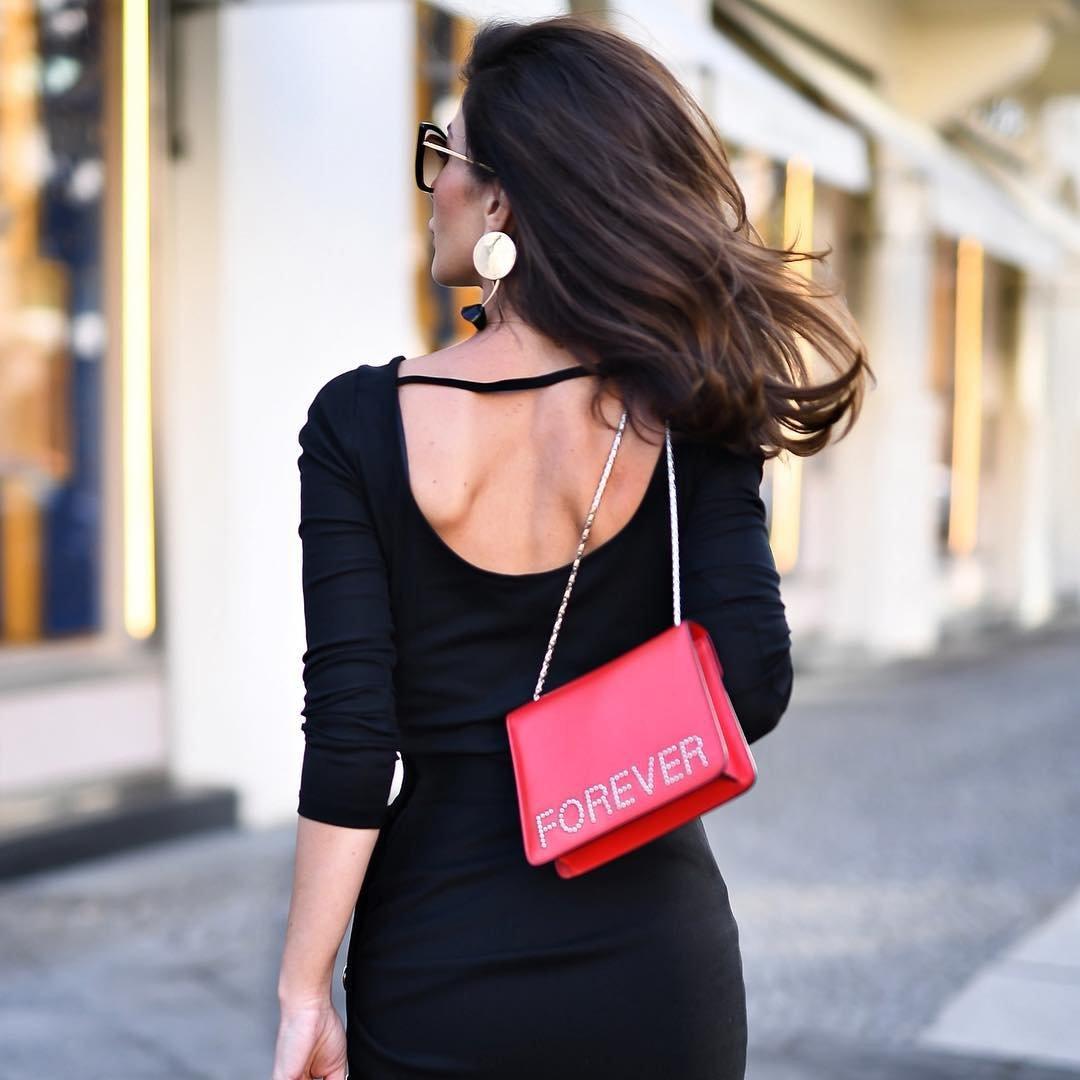 Con-fashion-al: I Went to the Discount Dress Store