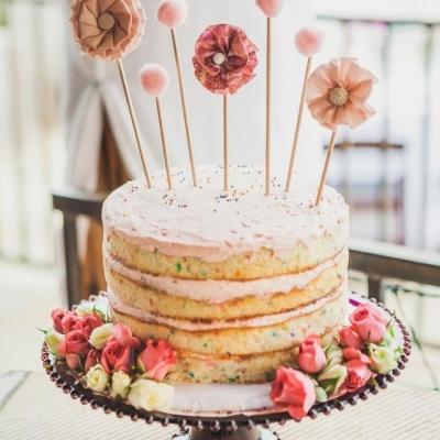 25 Prăjituri Gol Pentru A Inspira Viitoare Tort De Nunta