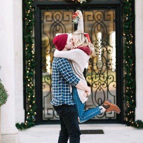 kissing under the mistletoe song