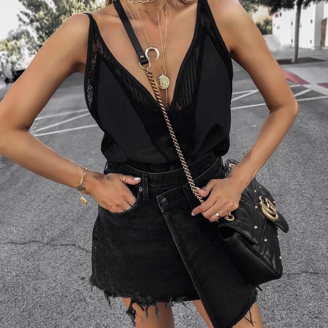 7 Stylish Scallop-Edged Clothes ...