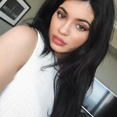 Machiaj Produse Kylie Jenner Foloseste Pentru Ei Zilnic De