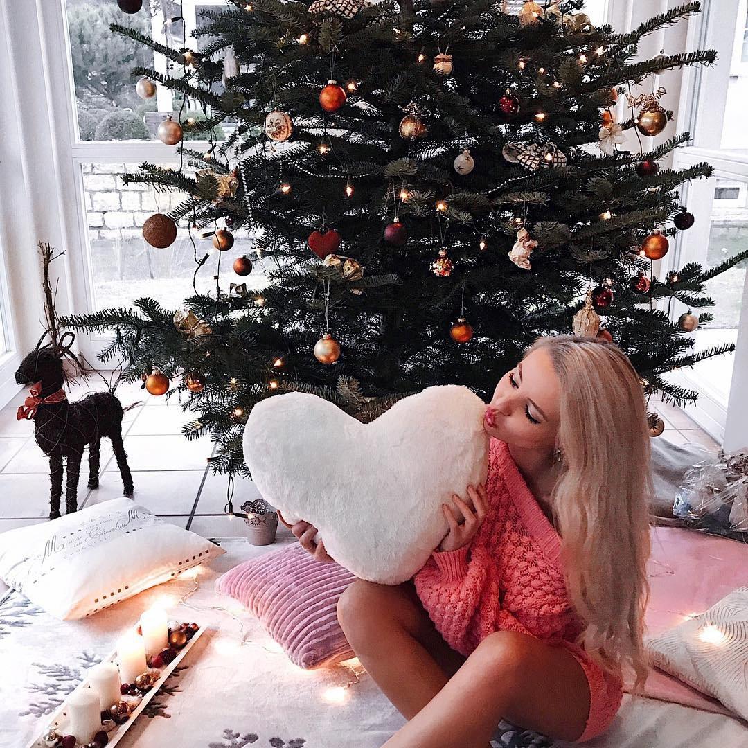 10 Adorable DIY Wooden Christmas Tree Ideas ...