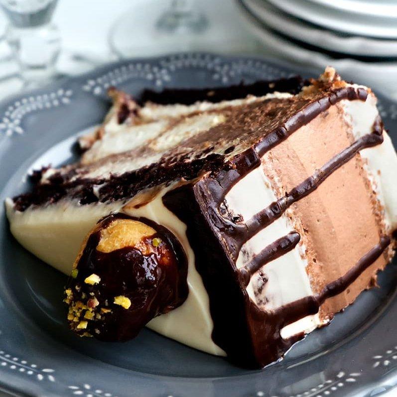 How to  Make a No Bake  Eclair Cake  ...