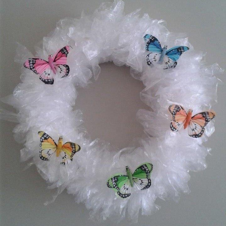 Easy Plastic Sandwich Bag Wreath Tutorial ...