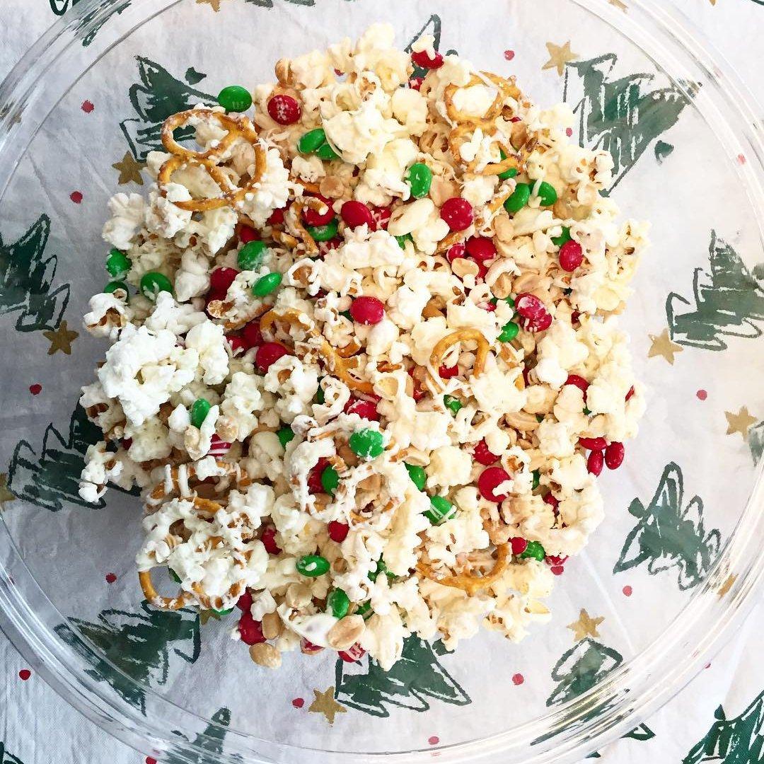 Easy  No-bake Holiday  Popcorn  ...