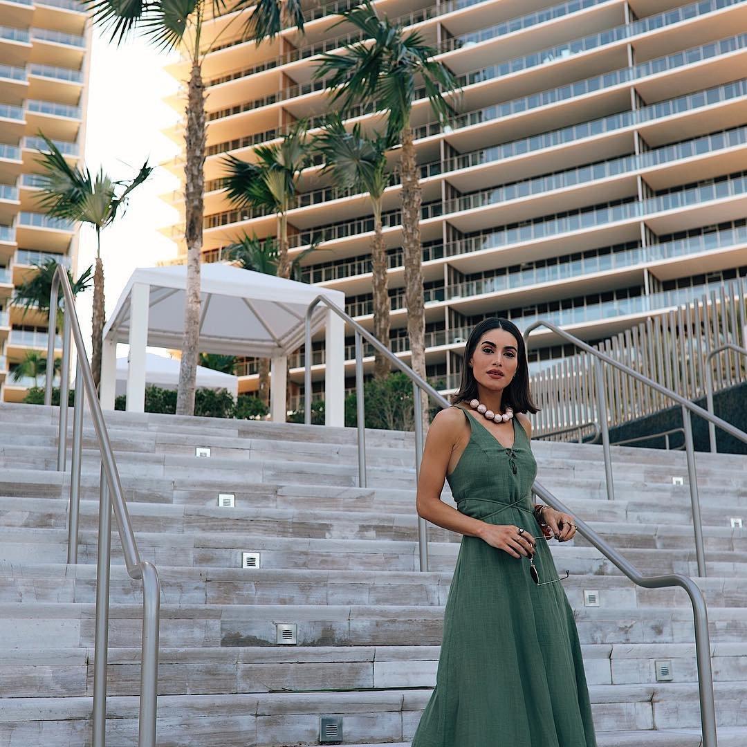 8 Pros and Cons of a Destination Wedding ...