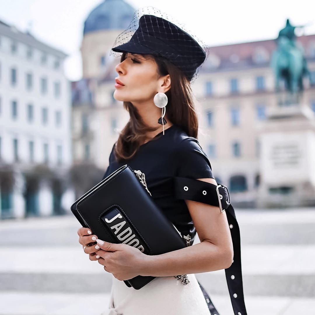 """EBay Find: Francesco Biasia """"Apple"""" Handbag Signed by the Designer ..."""