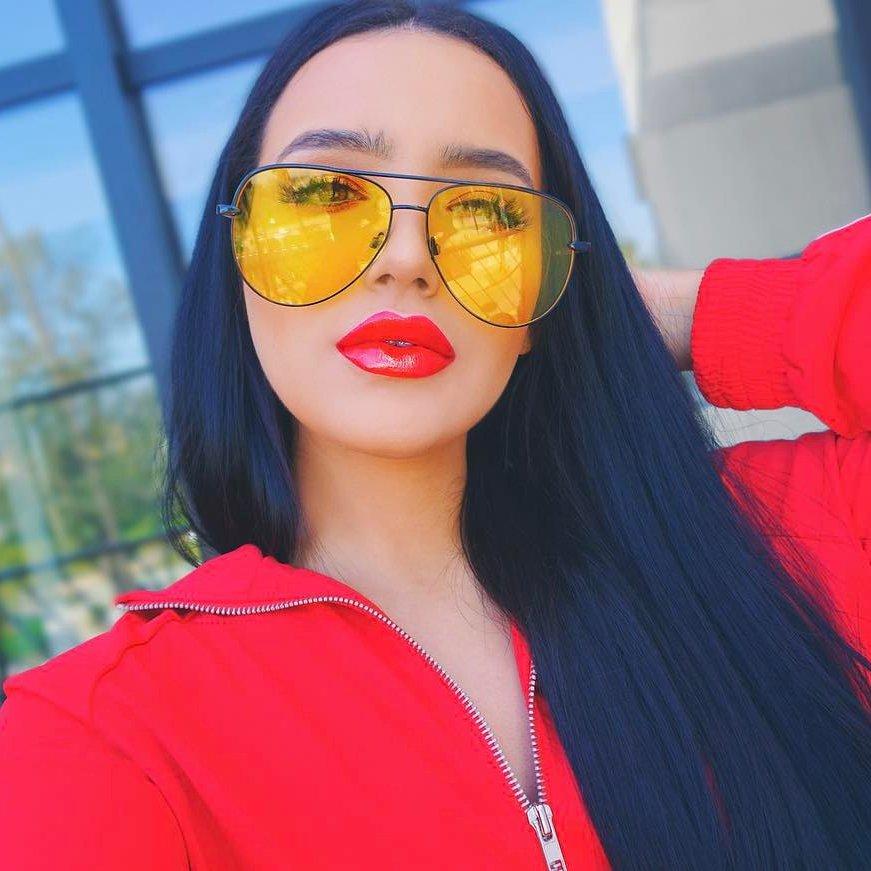 34bc528300bd8f Jeunes filles guident 📕 pour choisir les meilleures lunettes de soleil  👍🏼 🕶 qui 🤘🏼 du Rock leur Style.