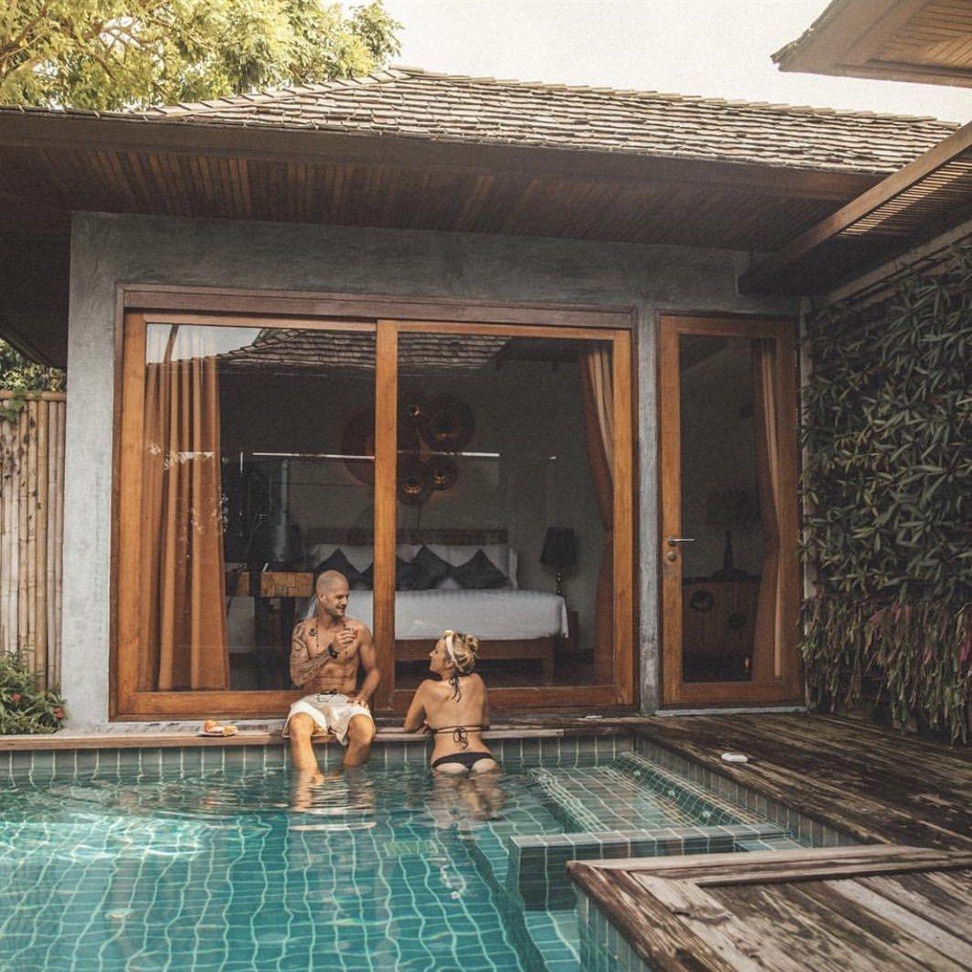 10 Hottest Celebrity Vacation Spots ...