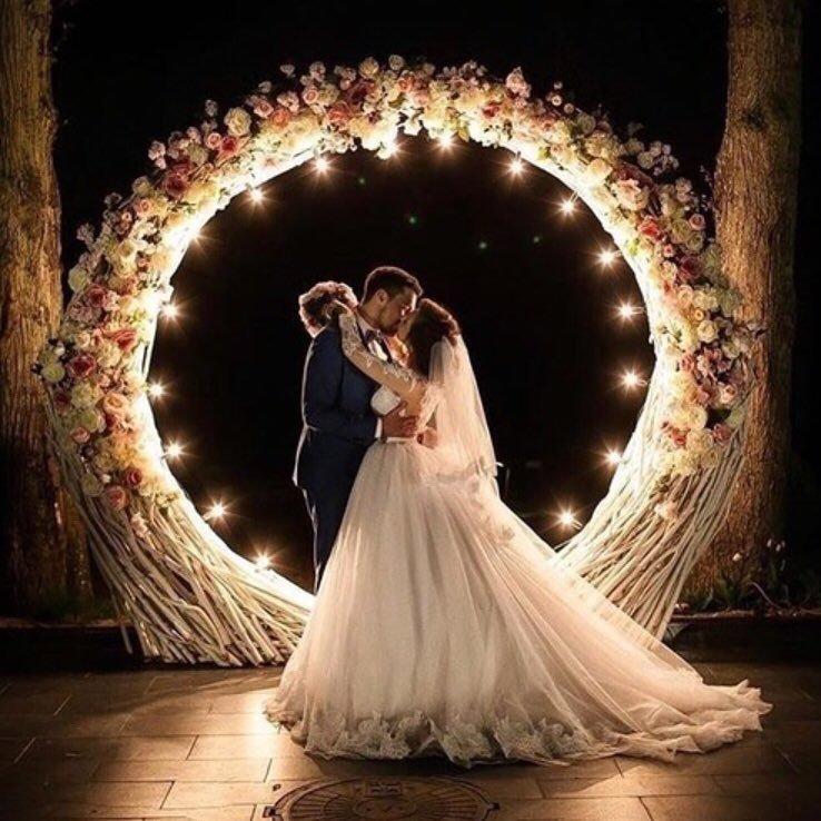 8 Crazy Ideas for a Wedding Venue ...