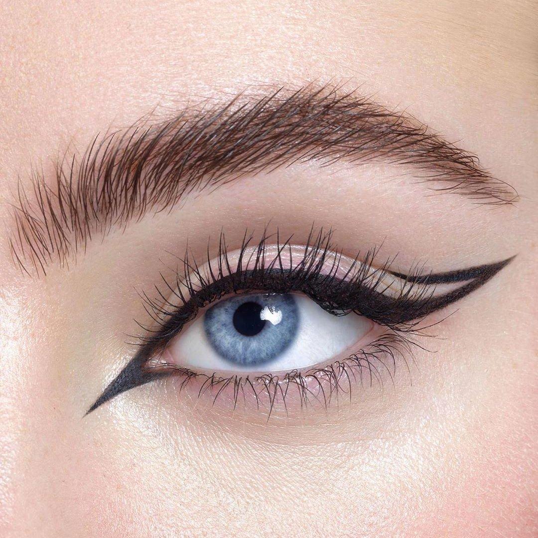 10 Eyeliner Tips for Blue Eyes