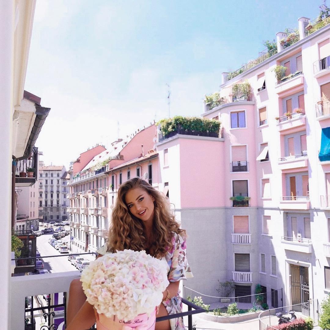 8 Ways to save Money While Holidaying Abroad ...